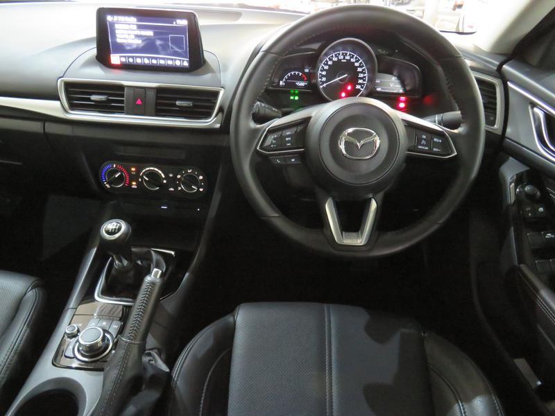 Mazda 3 2.0 Individual 4-Door Image 13