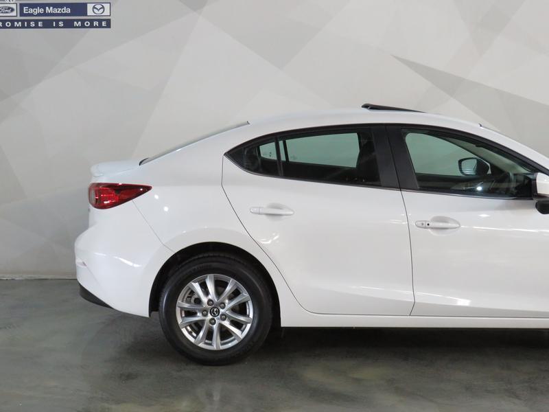 Mazda 3 2.0 Individual 4-Door Image 5