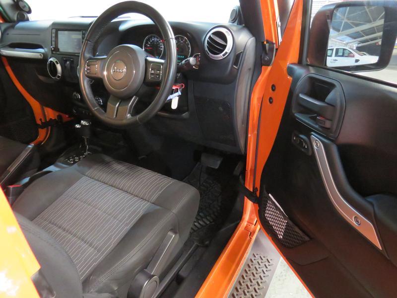 Jeep Wrangler 3.6 Sahara At Image 7