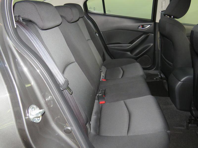 Mazda 3 1.6 Original 4-Door Image 15