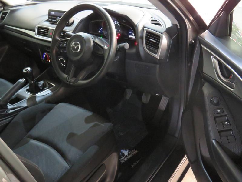 Mazda 3 1.6 Original 4-Door Image 7