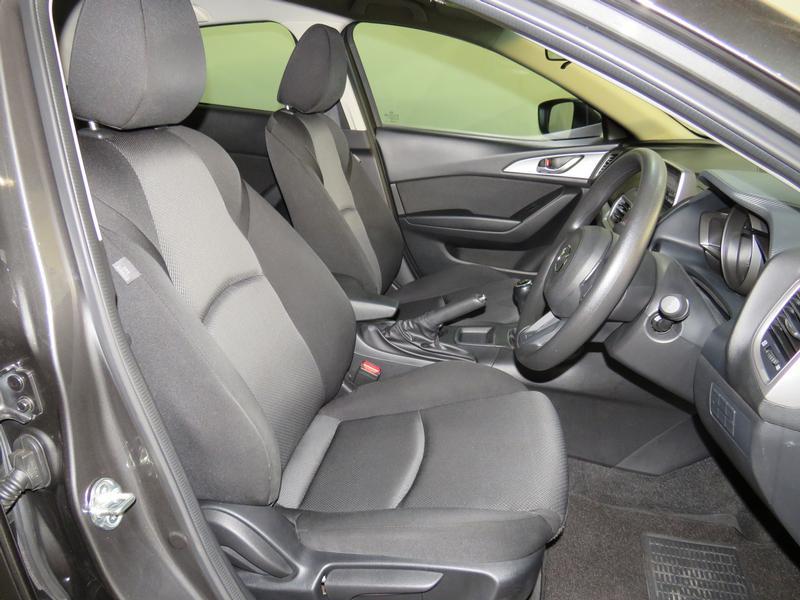 Mazda 3 1.6 Original 4-Door Image 8
