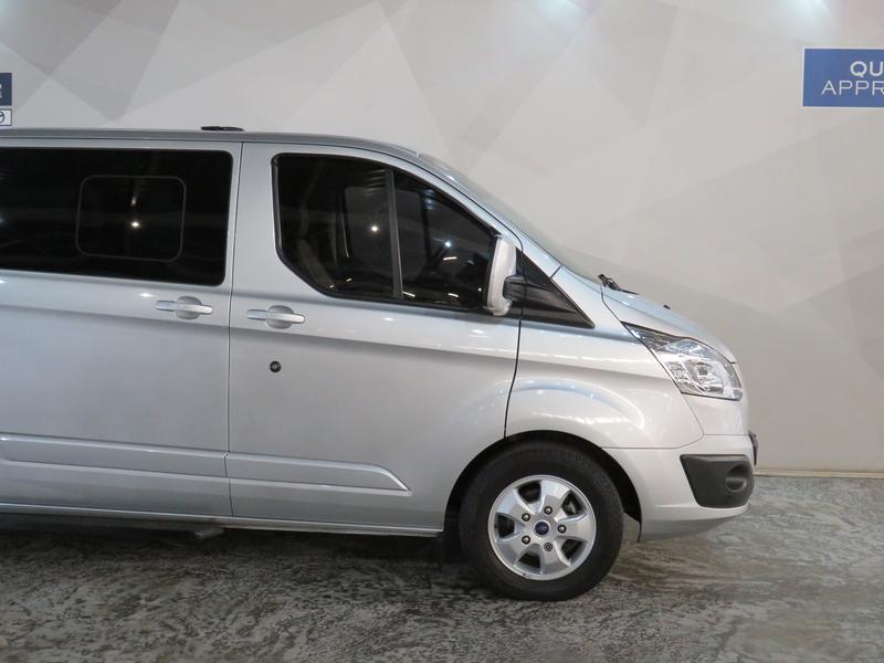 Ford Tourneo Custom 2.2 Tdci Swb Ltd Image 4