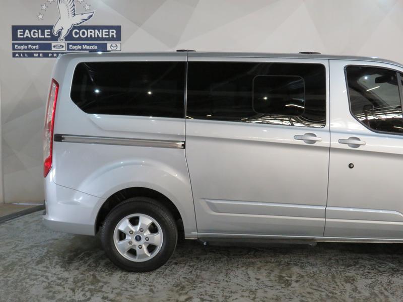 Ford Tourneo Custom 2.2 Tdci Swb Ltd Image 5