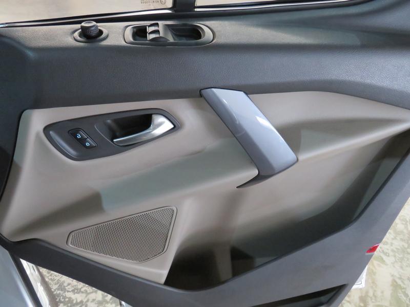 Ford Tourneo Custom 2.2 Tdci Swb Ltd Image 6