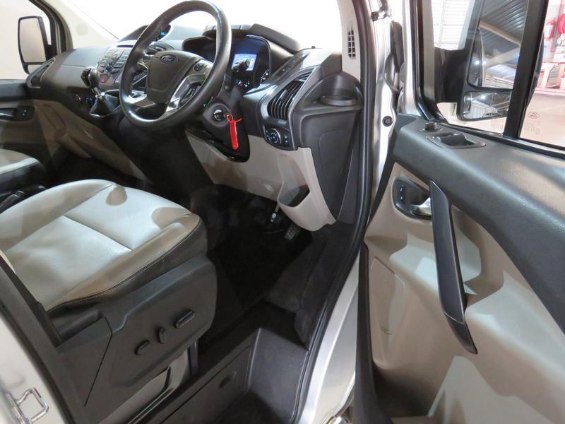 Ford Tourneo Custom 2.2 Tdci Swb Ltd Image 7