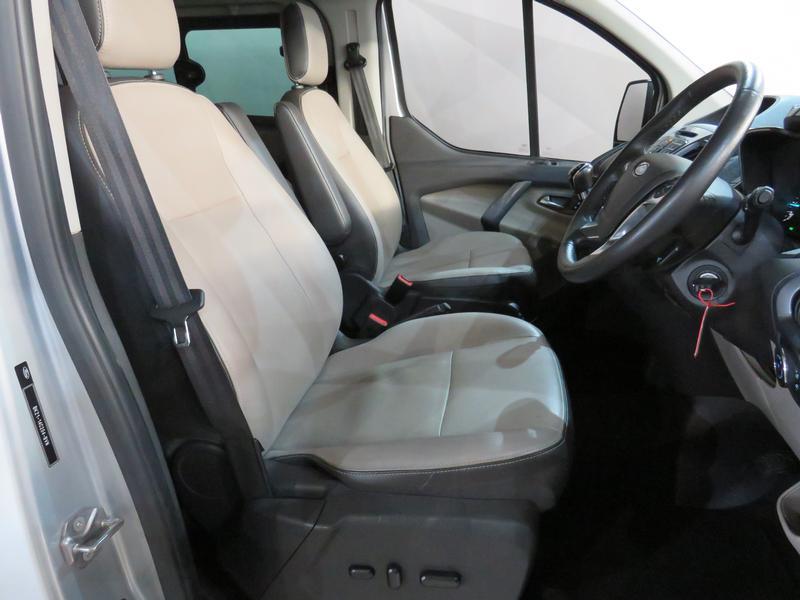 Ford Tourneo Custom 2.2 Tdci Swb Ltd Image 8