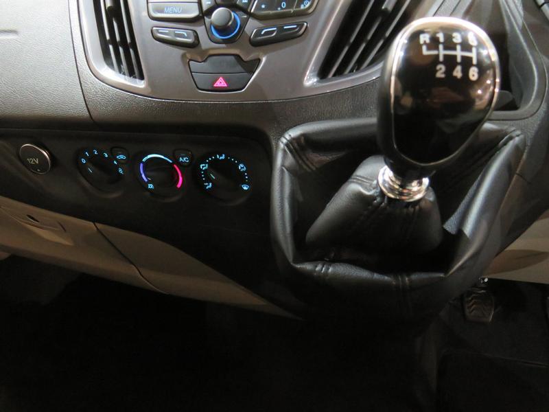 Ford Tourneo Custom 2.2 Tdci Swb Ltd Image 9