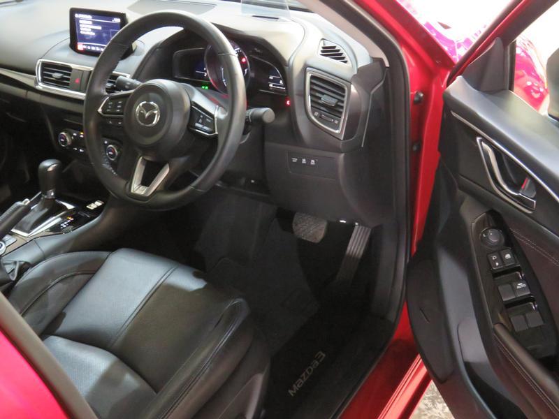 Mazda 3 2.0 Astina Plus 4-Door At Image 7