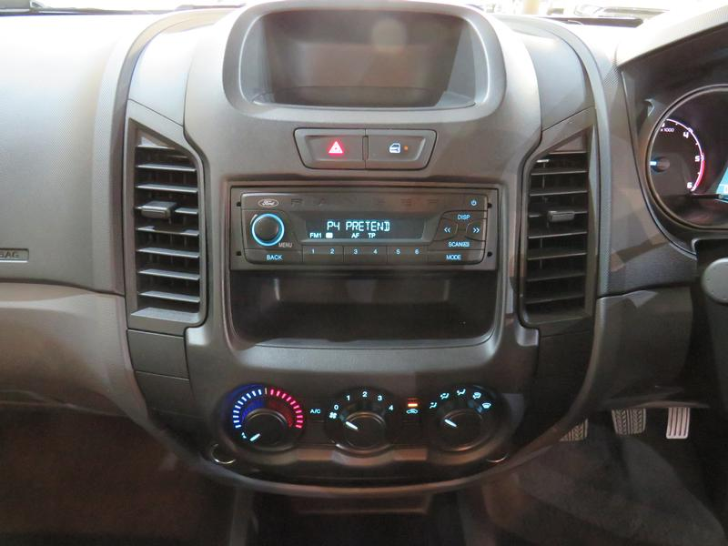 Ford Ranger 2.2 Tdci Base 4X2 D/cab Image 10