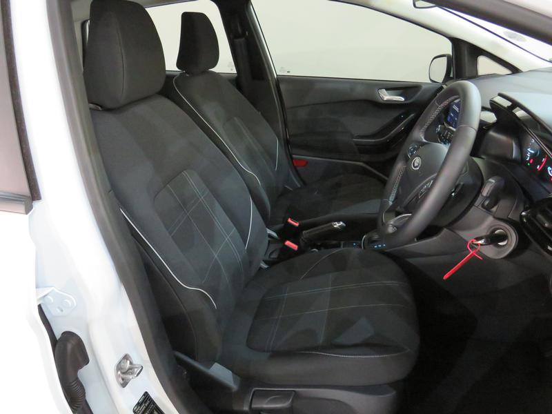 Ford Fiesta 1.0 Ecoboost Trend At Image 8