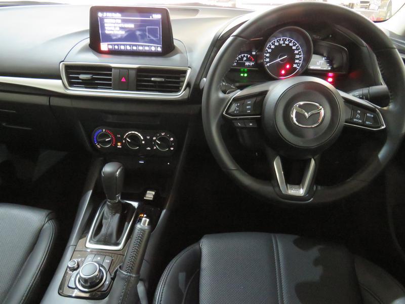 Mazda 3 2.0 Individual 4-Door At Image 12
