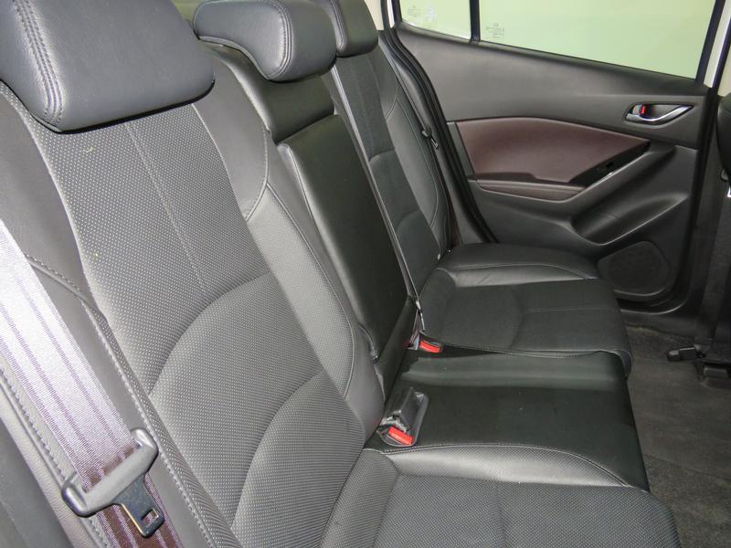 Mazda 3 2.0 Individual 4-Door At Image 14