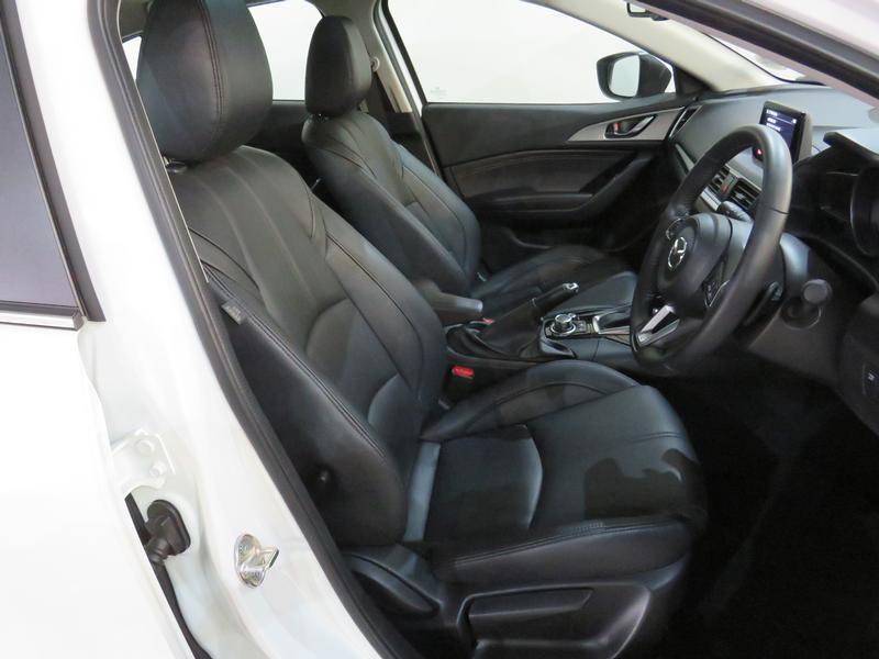 Mazda 3 2.0 Individual 4-Door At Image 7