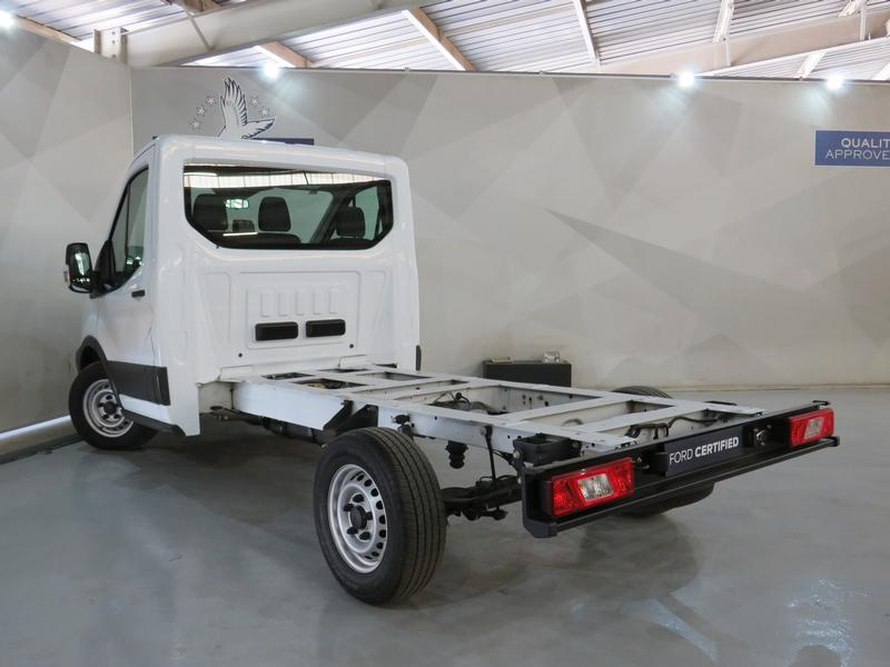 Ford Transit 2.2 Tdci Chassis Cab 330 Mwb Image 16