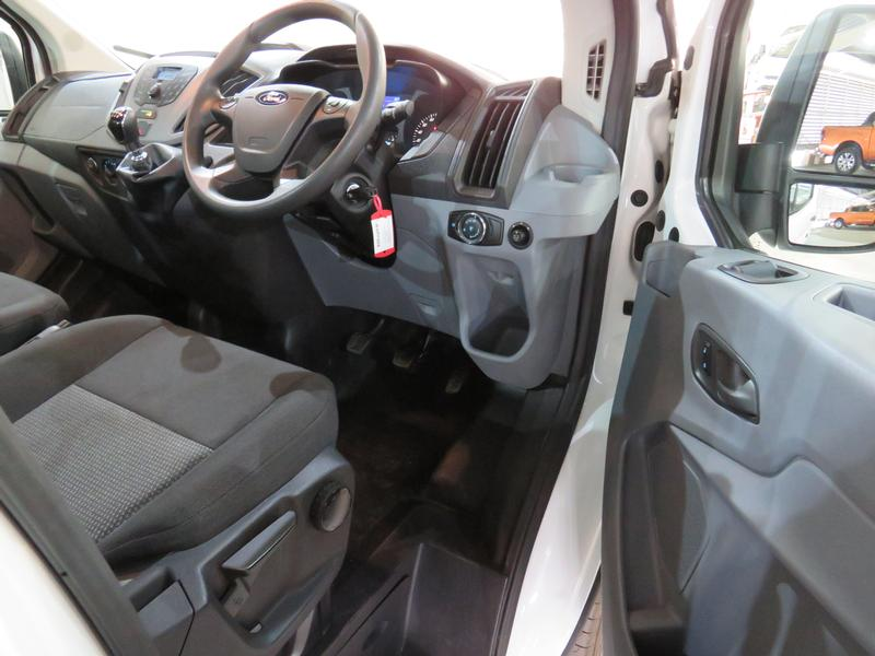 Ford Transit 2.2 Tdci Chassis Cab 330 Mwb Image 7