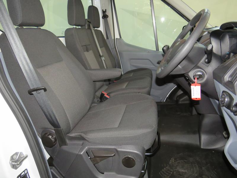 Ford Transit 2.2 Tdci Chassis Cab 330 Mwb Image 8