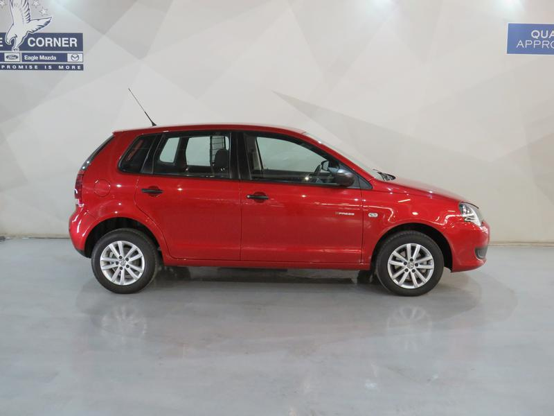 Volkswagen Polo Vivo Hatch 1.4 Xpress Image 2