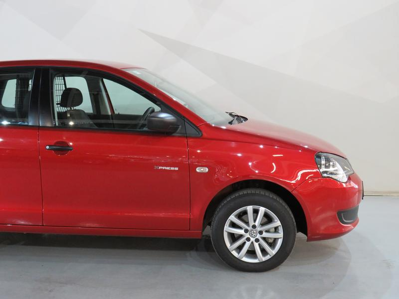 Volkswagen Polo Vivo Hatch 1.4 Xpress Image 4