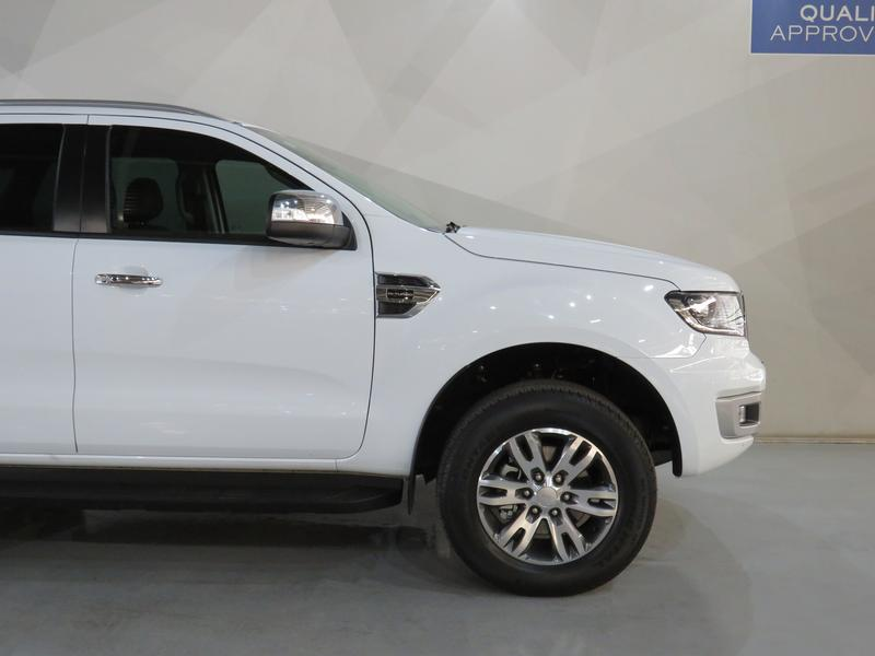 Ford Everest 2.0 Turbo Xlt 4X2 At Image 4