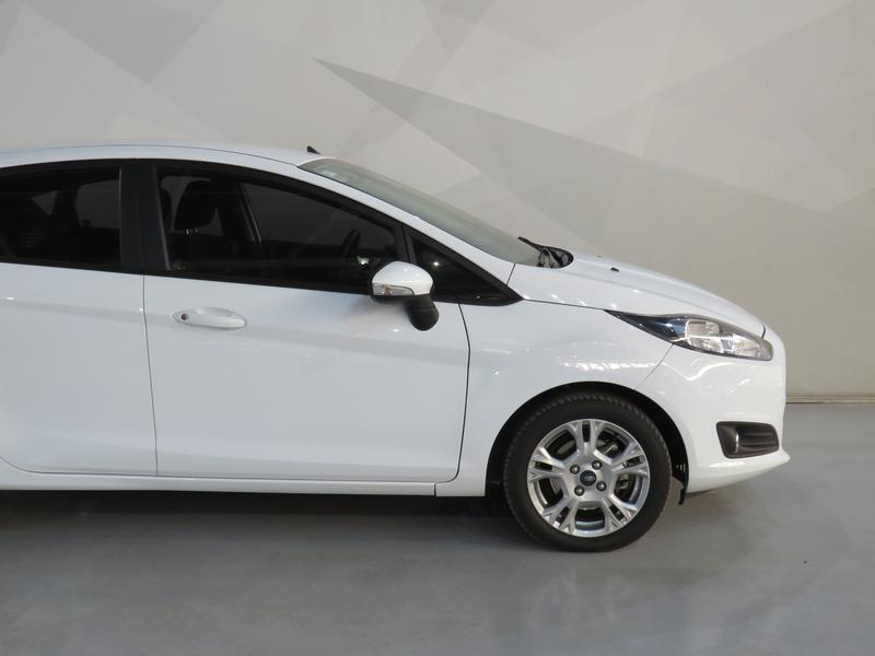 Ford Fiesta 1.0 Ecoboost Trend 5dr Image 4