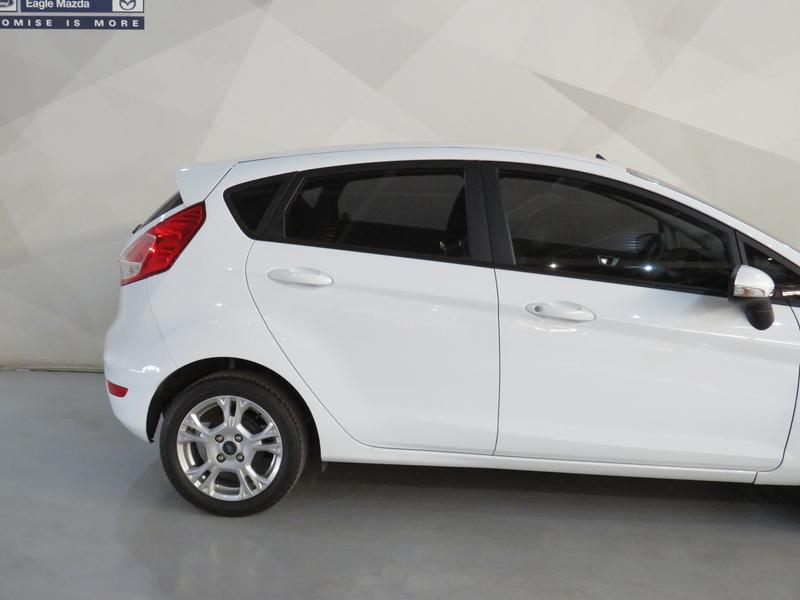 Ford Fiesta 1.0 Ecoboost Trend 5dr Image 5
