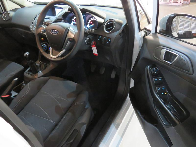 Ford Fiesta 1.0 Ecoboost Trend 5dr Image 7