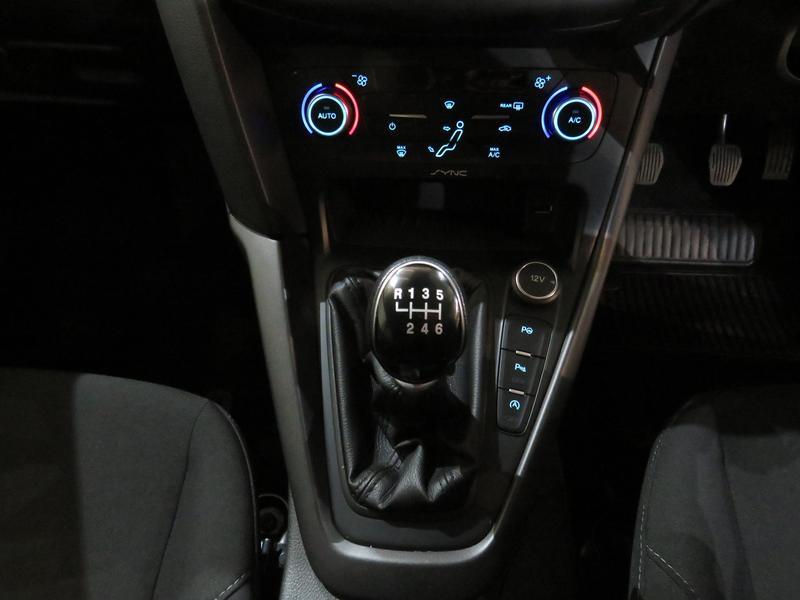 Ford Focus 1.5 Ecoboost Trend 5-Door Image 11