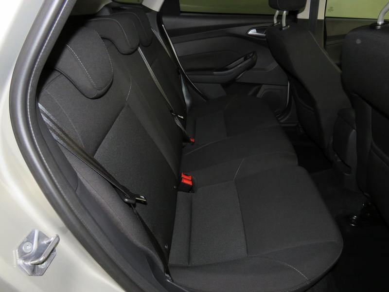 Ford Focus 1.5 Ecoboost Trend 5-Door Image 15