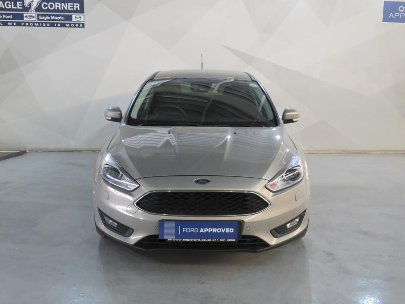Ford Focus 1.5 Ecoboost Trend 5-Door Image 16