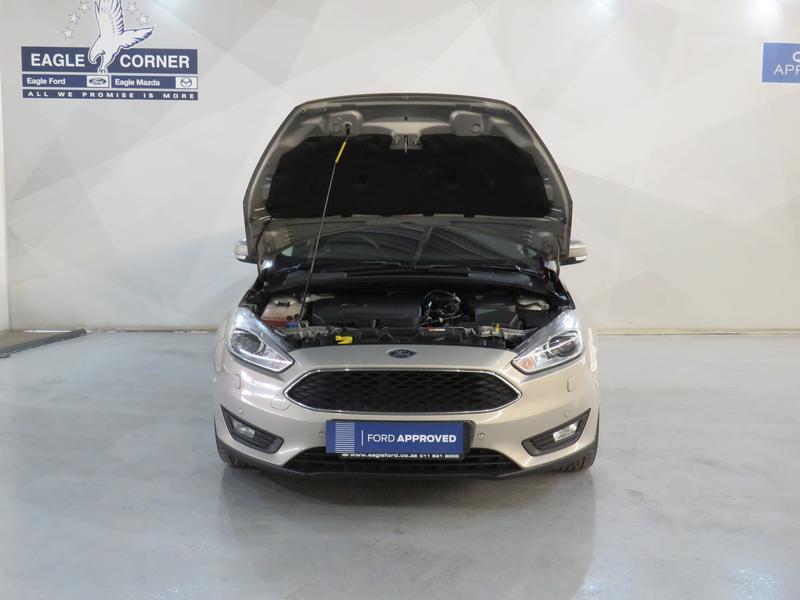 Ford Focus 1.5 Ecoboost Trend 5-Door Image 17