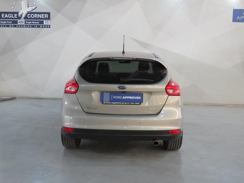 Ford Focus 1.5 Ecoboost Trend 5-Door Image 18