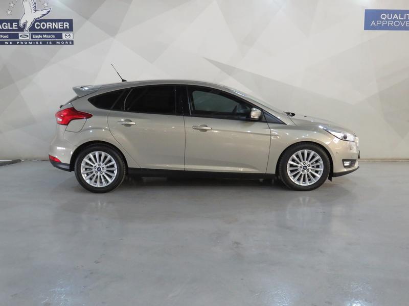 Ford Focus 1.5 Ecoboost Trend 5-Door Image 2