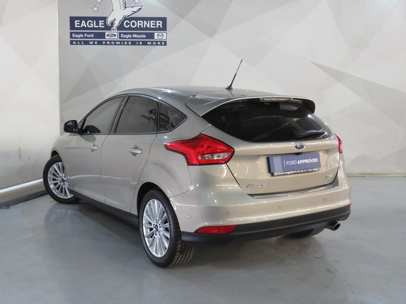 Ford Focus 1.5 Ecoboost Trend 5-Door Image 20