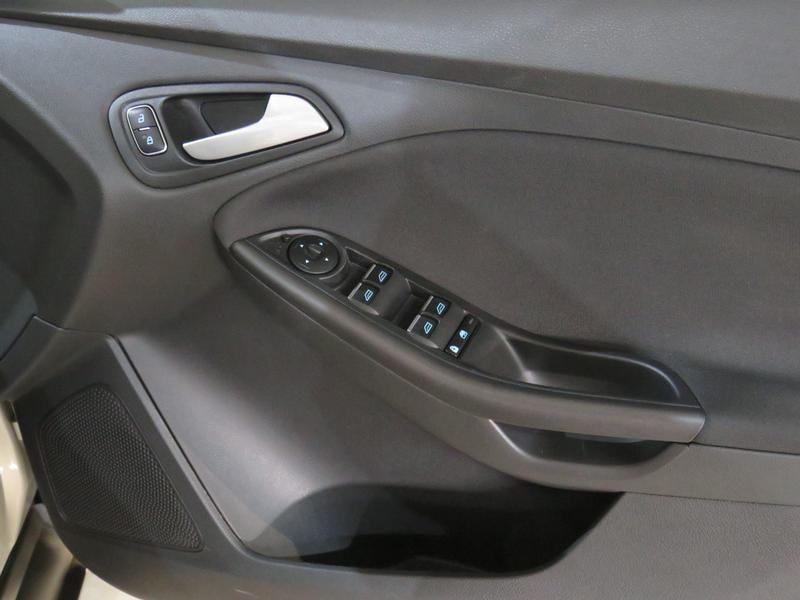 Ford Focus 1.5 Ecoboost Trend 5-Door Image 6