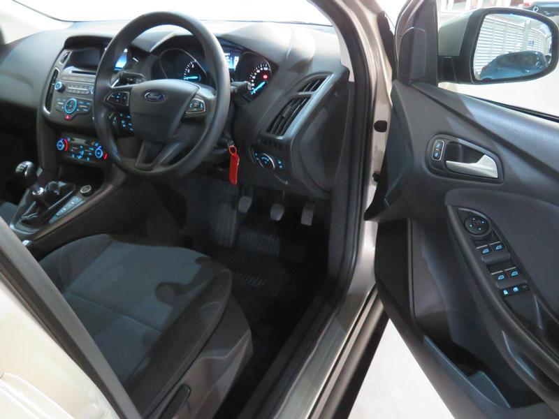 Ford Focus 1.5 Ecoboost Trend 5-Door Image 7