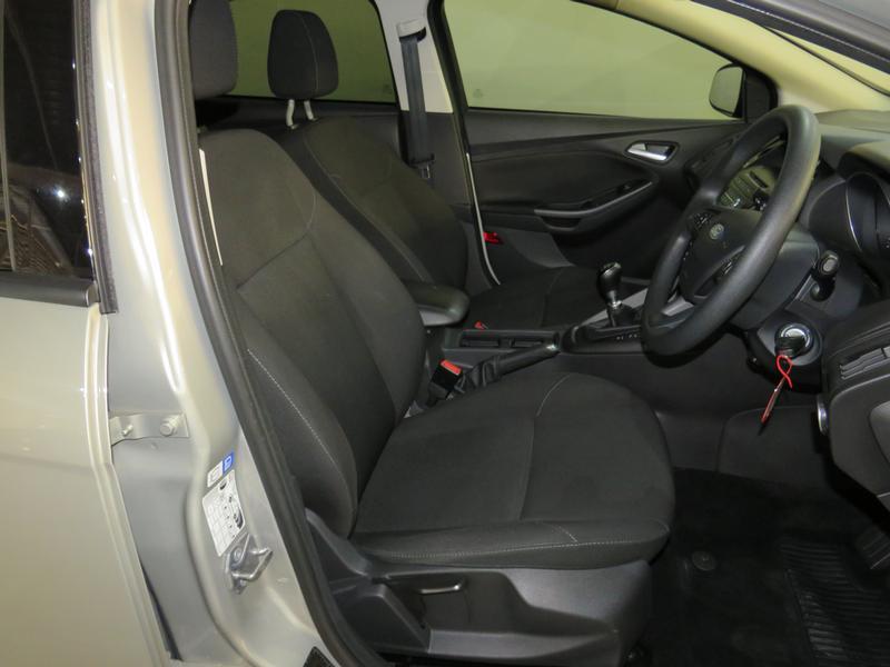 Ford Focus 1.5 Ecoboost Trend 5-Door Image 8