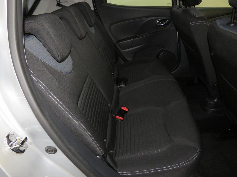 Renault Clio 4 0.9 Turbo Dynamique Image 15