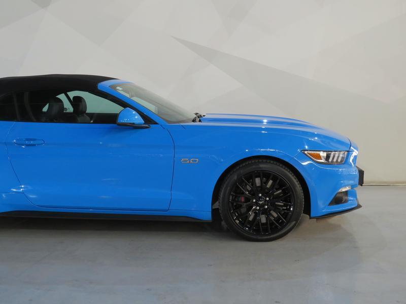 Ford Mustang 5.0 Gt Convertible At Image 4