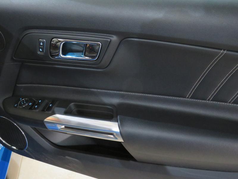 Ford Mustang 5.0 Gt Convertible At Image 6
