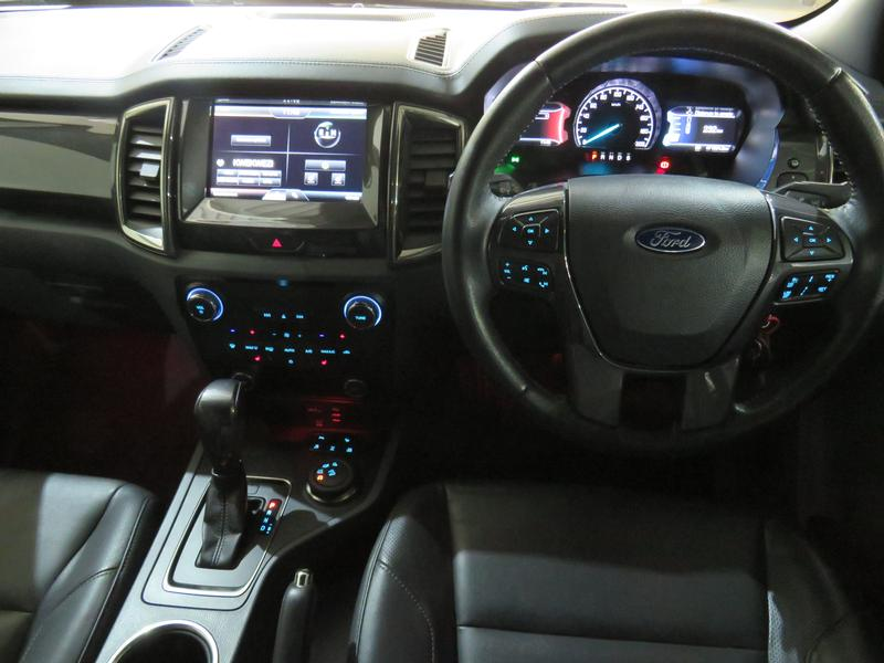 Ford Everest 3.2 Ltd 4X4 At Image 13