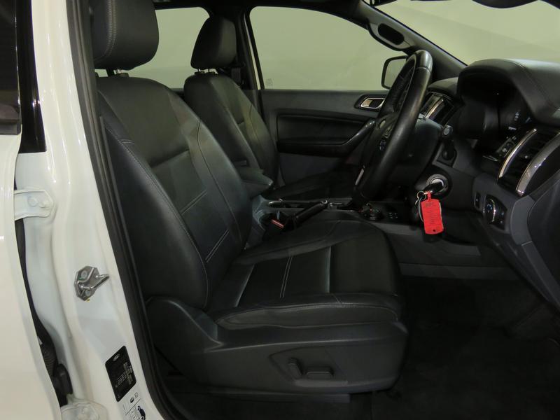 Ford Everest 3.2 Ltd 4X4 At Image 8