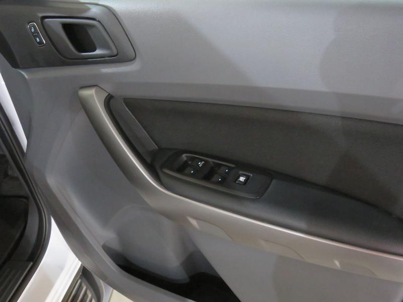 Ford Ranger 2.2 Tdci Xls 4X2 D/cab Image 6