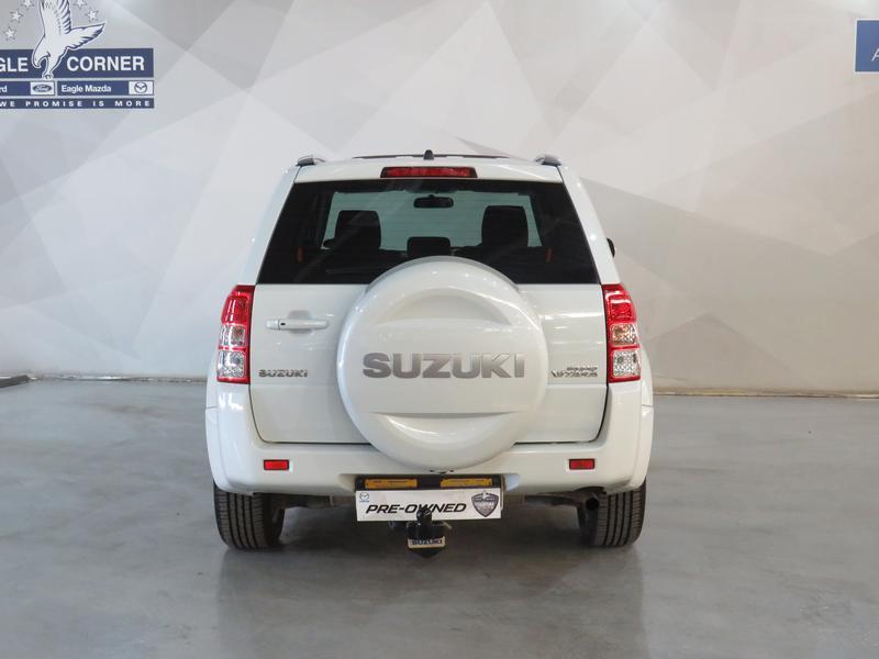 Suzuki Grand Vitara 2.4 Summit At Image 18