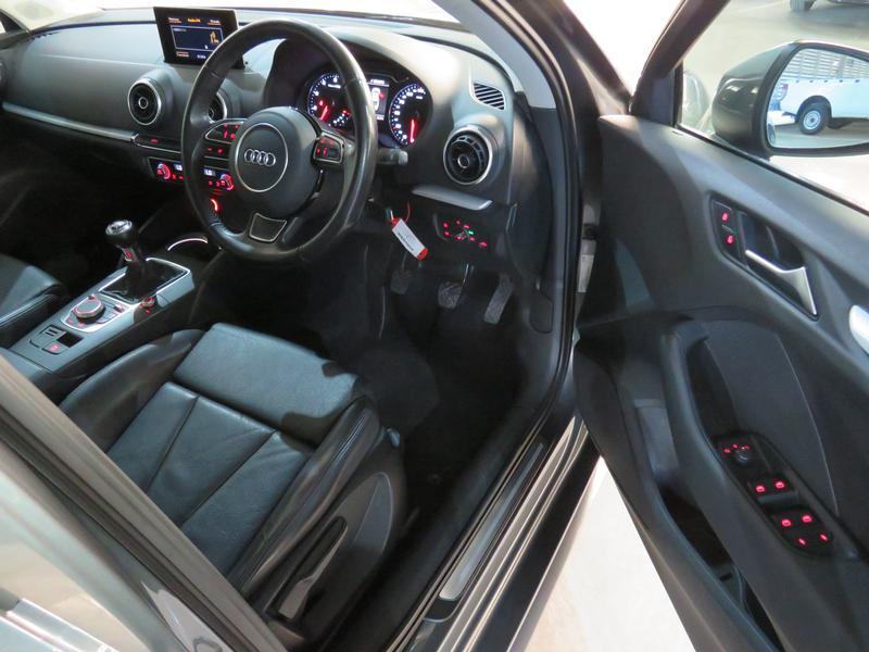 Audi A3 Sedan 1.4 Tfsi Se Image 7