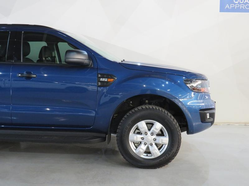 Ford Everest 2.2 Tdci Xls 4X4 Image 4