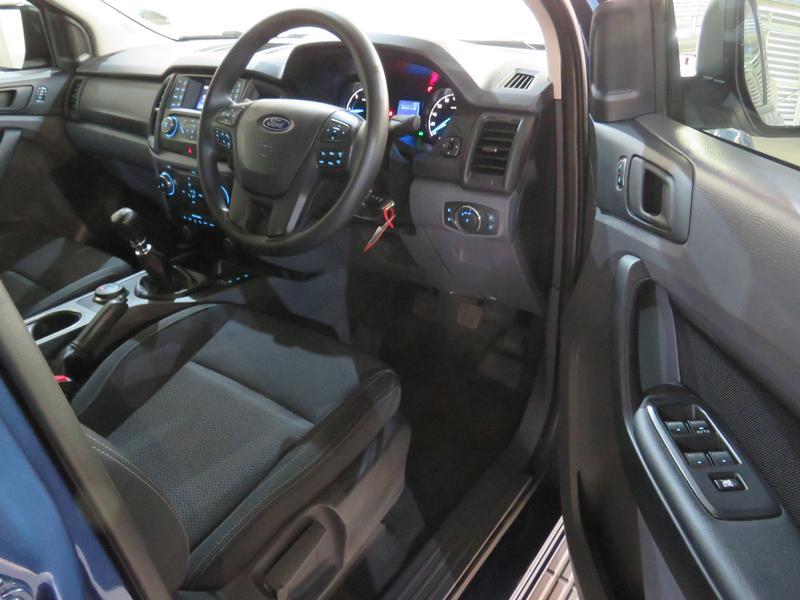 Ford Everest 2.2 Tdci Xls 4X4 Image 7