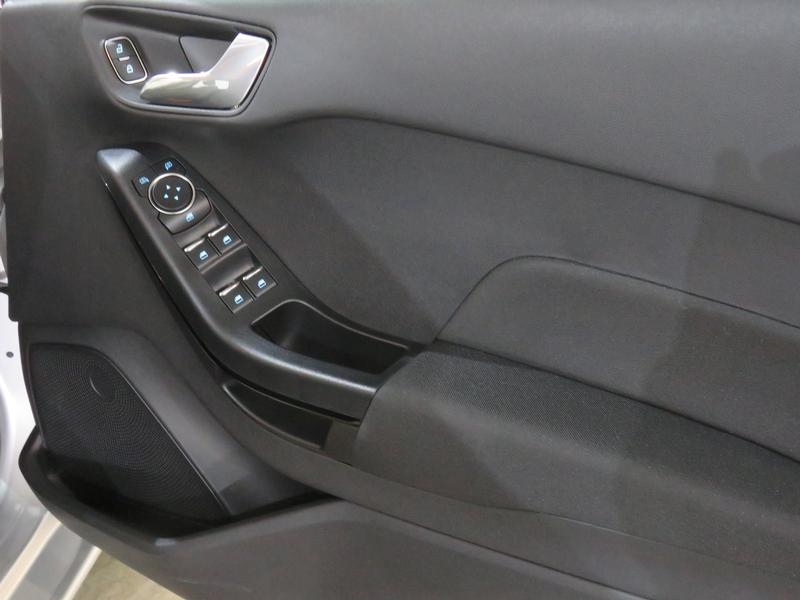 Ford Fiesta 1.0 Ecoboost Trend At Image 6