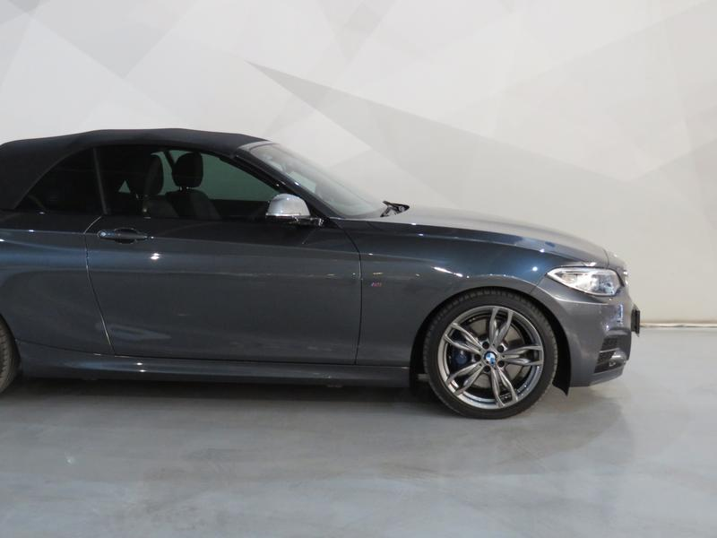 BMW 2 Series Convertible M235i M Sport Sport Steptronic Image 5