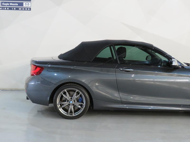 BMW 2 Series Convertible M235i M Sport Sport Steptronic Image 6